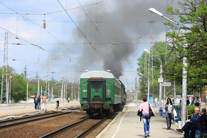 Таганрог. Ретро-поезд Победа на железнодорожном вокзале Таганрог-1