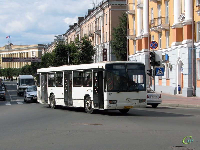 Великий Новгород. Mercedes O345 ав725