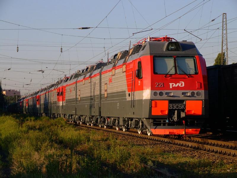 Новочеркасск. 3ЭС5К-221