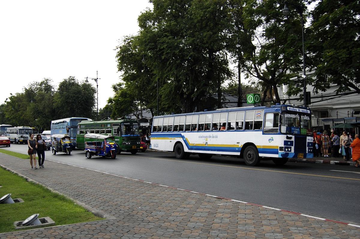Бангкок. Hino 12-0052, Mercedes O309 11-3591