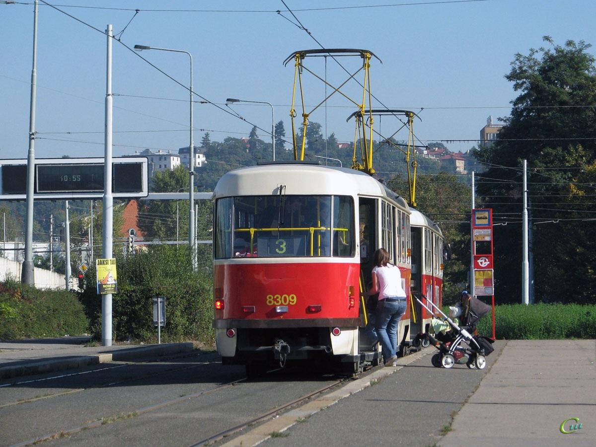 Прага. Tatra T3 №8308, Tatra T3 №8309