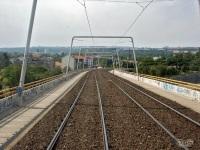 Прага. Трамвайная эстакада над железной дорогой в районе Sidlishte Invalidovna