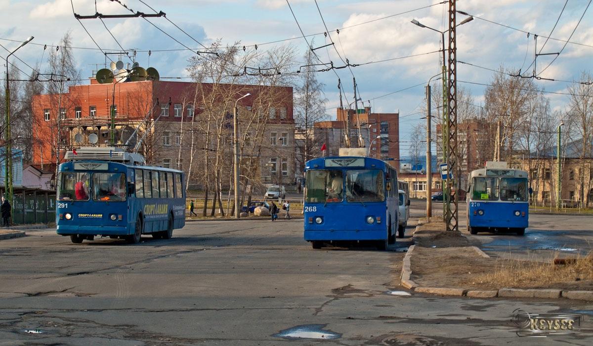 Петрозаводск. ЗиУ-682Г00 №291, ЗиУ-682В-013 (ЗиУ-682В0В) №268, ЗиУ-682В-013 (ЗиУ-682В0В) №270