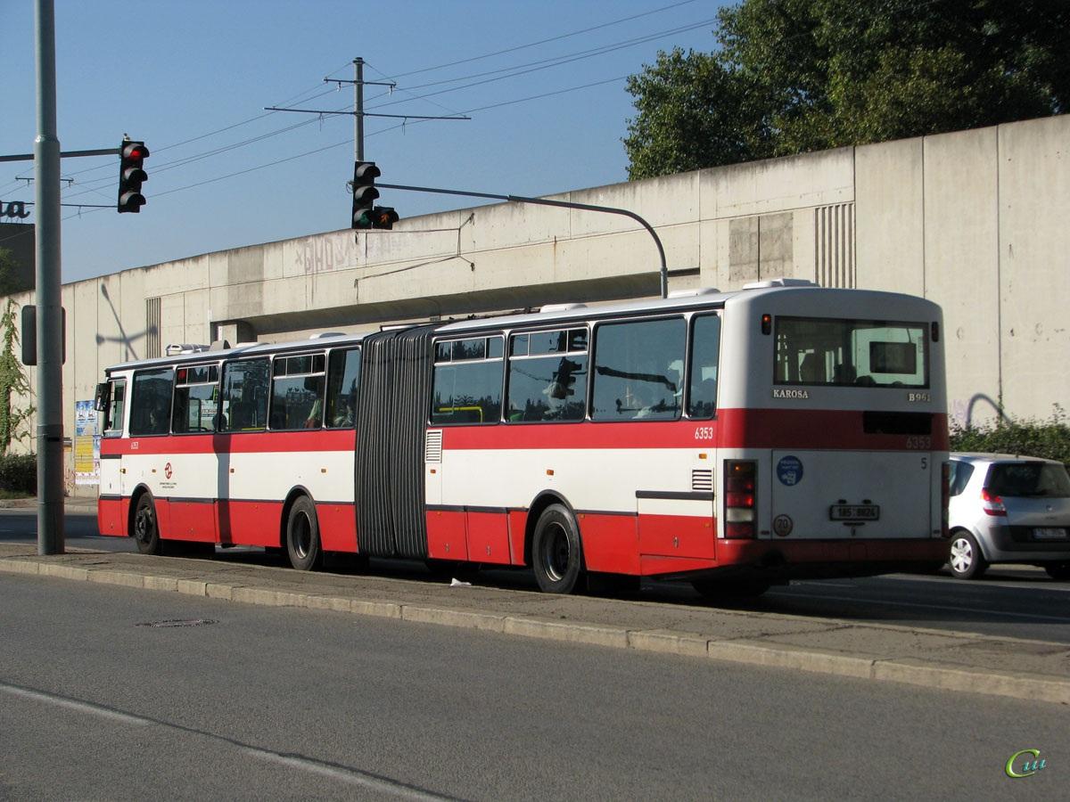 Прага. Karosa B961 1A5 8824