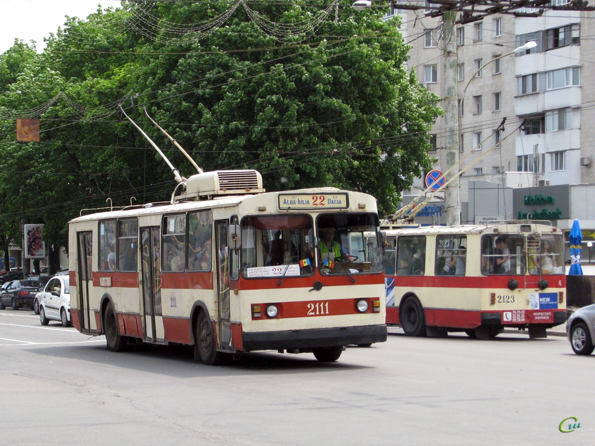Кишинев. ЗиУ-682Г00 №2111, ЗиУ-682Г00 №2123