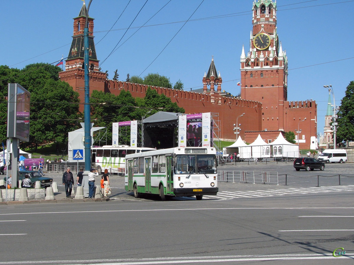 Москва. ЛиАЗ-5256 ау404