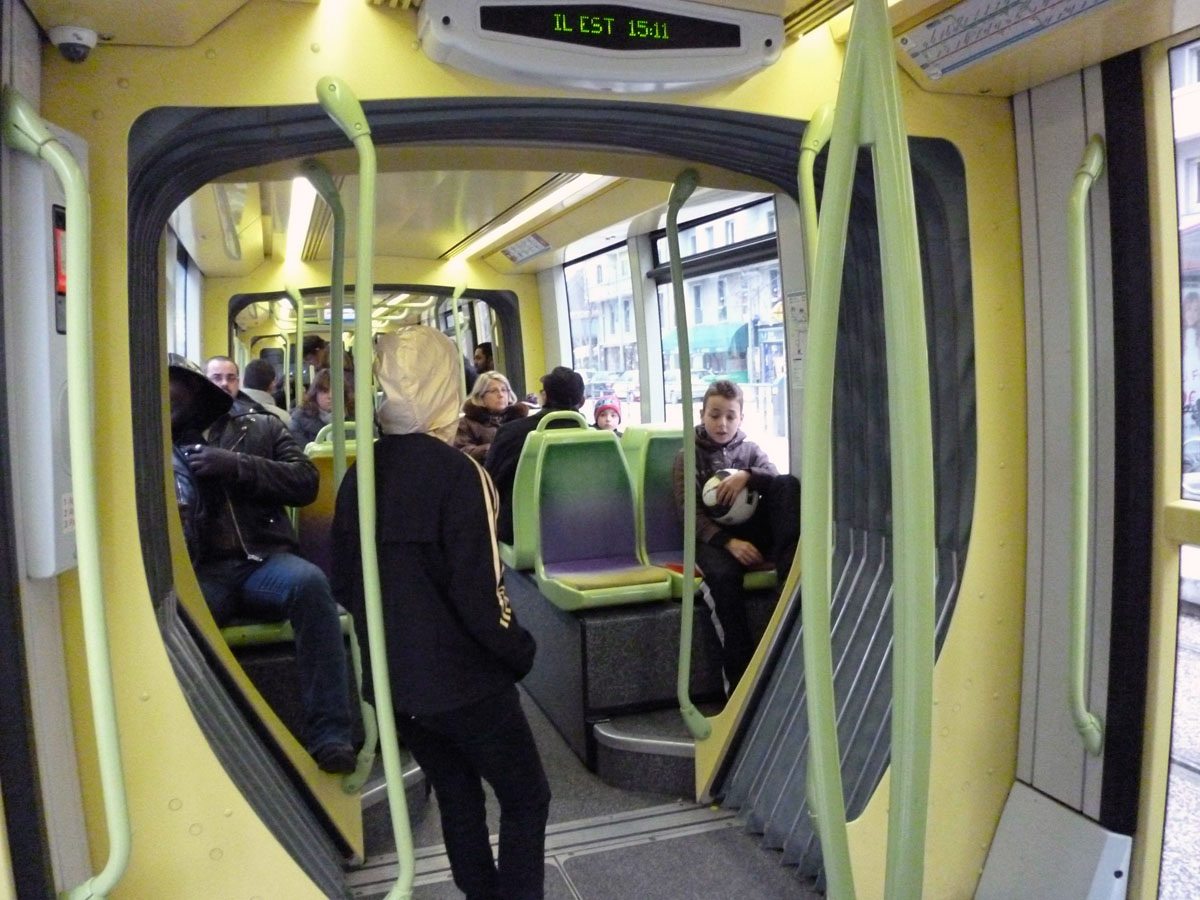 Картинки по запросу Alstom Citadis 402 paris salon