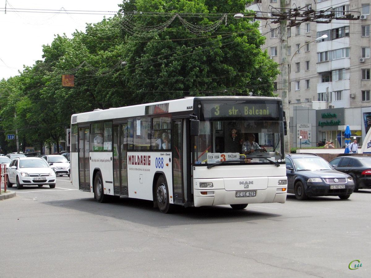 Кишинев. MAN A74 Lion's Classic C LE 923