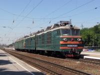 Таганрог. ВЛ80к-688, ВЛ80т-1335