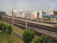 Орша. Пассажирский вокзал станции Орша-Центральная, вид с пешеходного моста