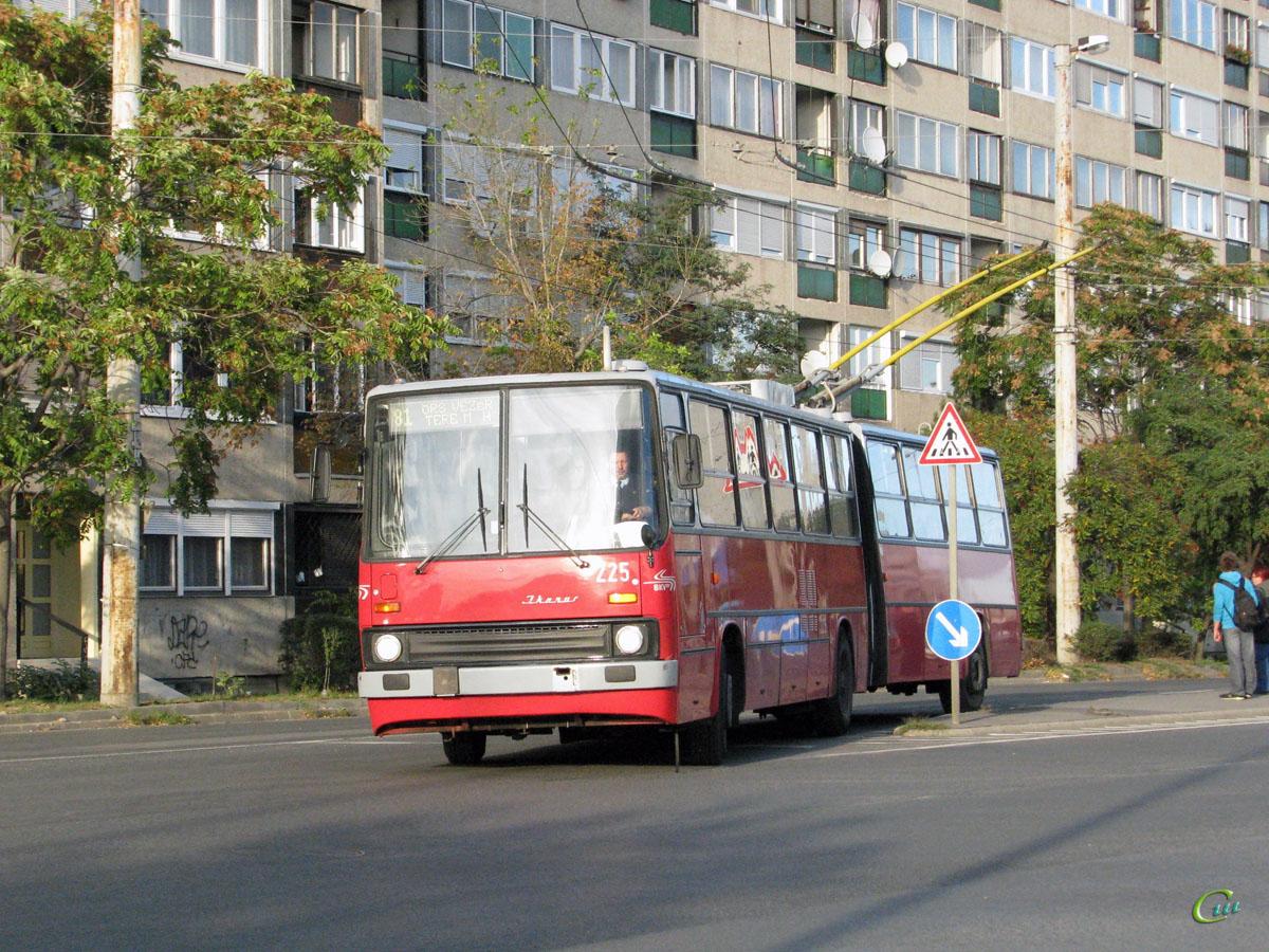 Будапешт. Ikarus 280.94 №225