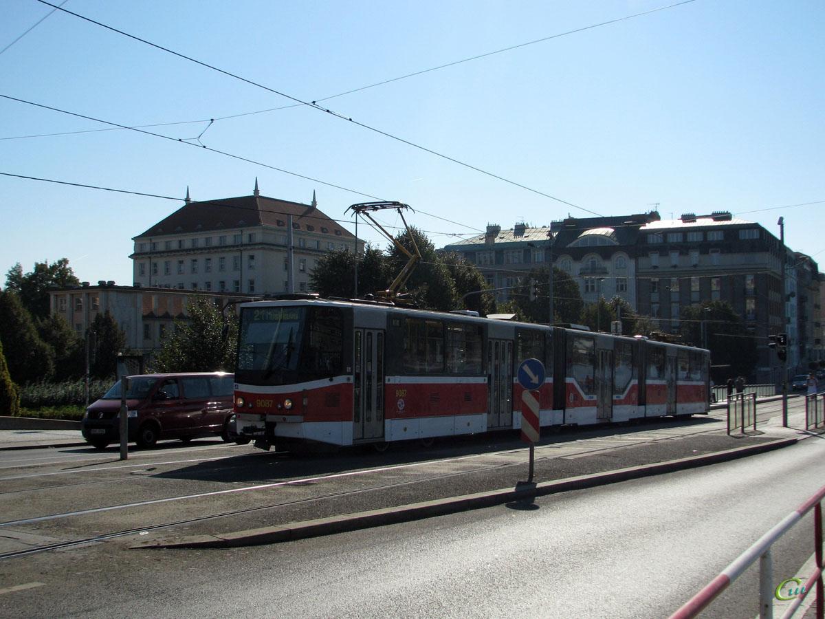 Прага. Tatra KT8D5 №9087