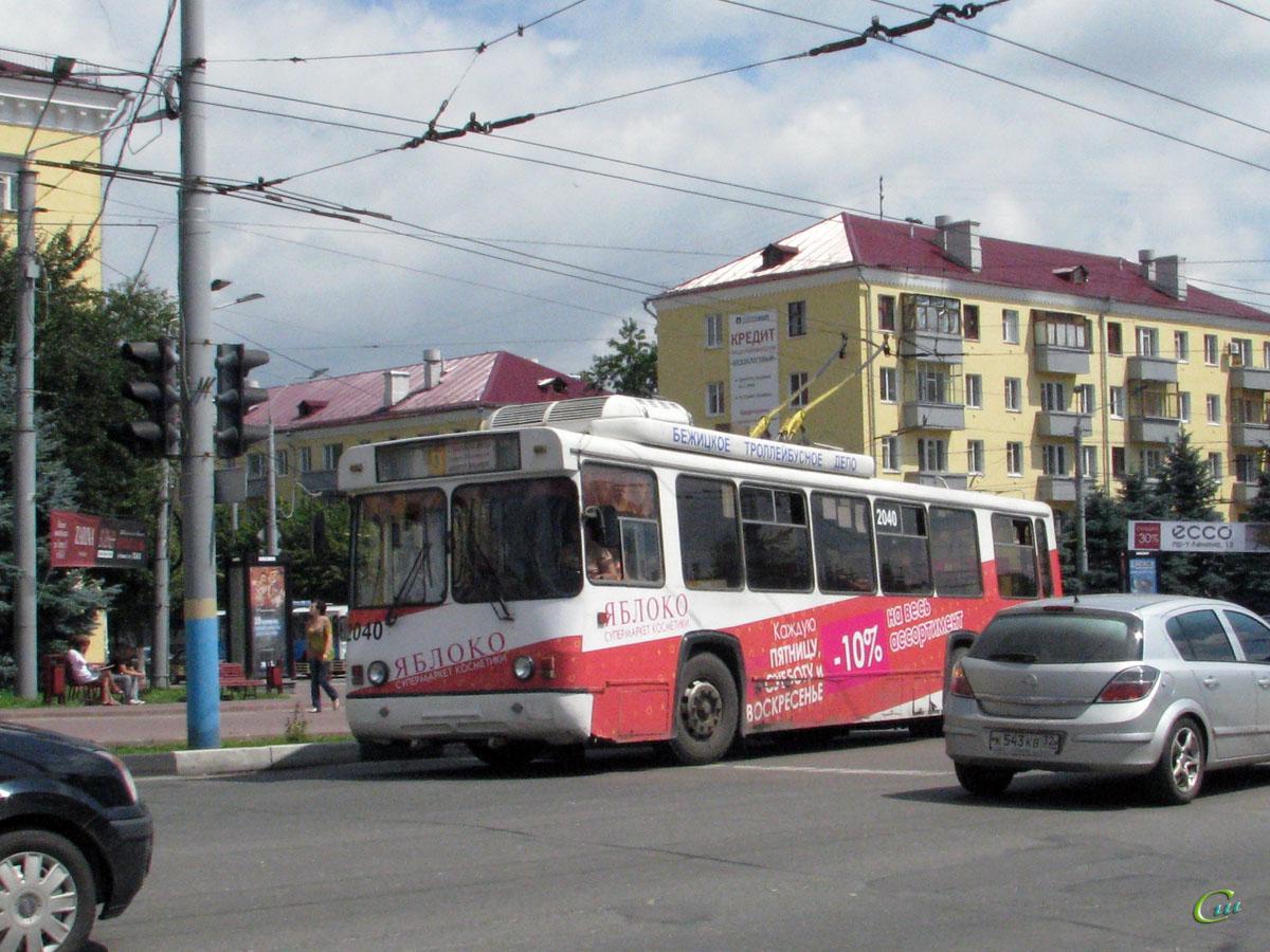 Брянск. БТЗ-5276-04 №2040