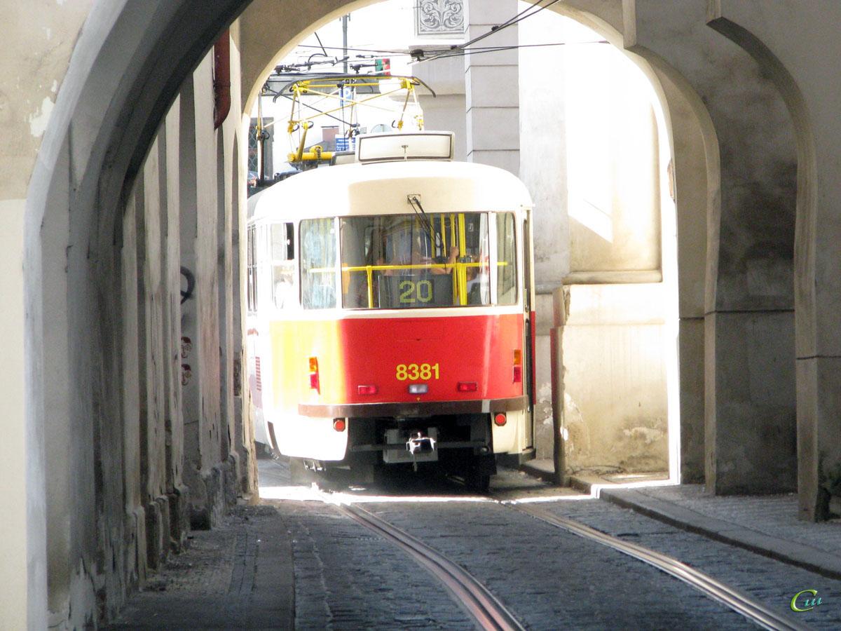Прага. Tatra T3 №8381