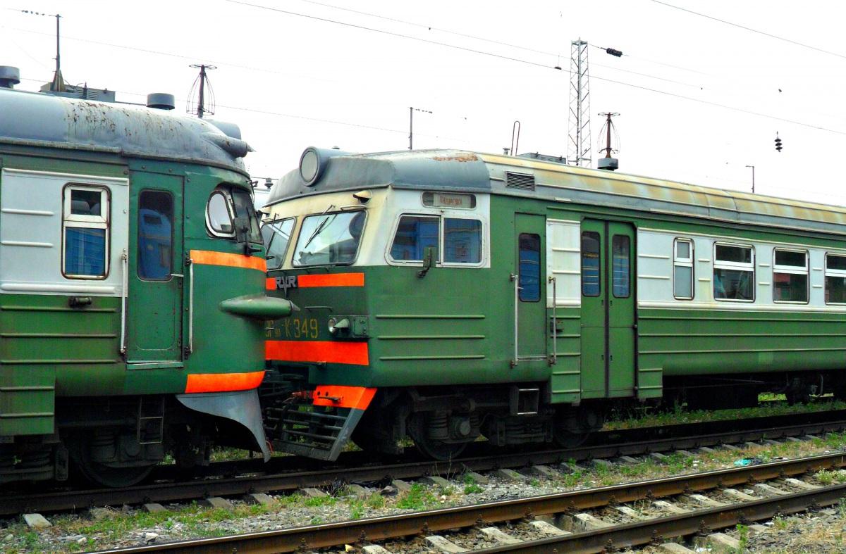 Ростов-на-Дону. ЭР9ПК-349, ЭР9ПК-412