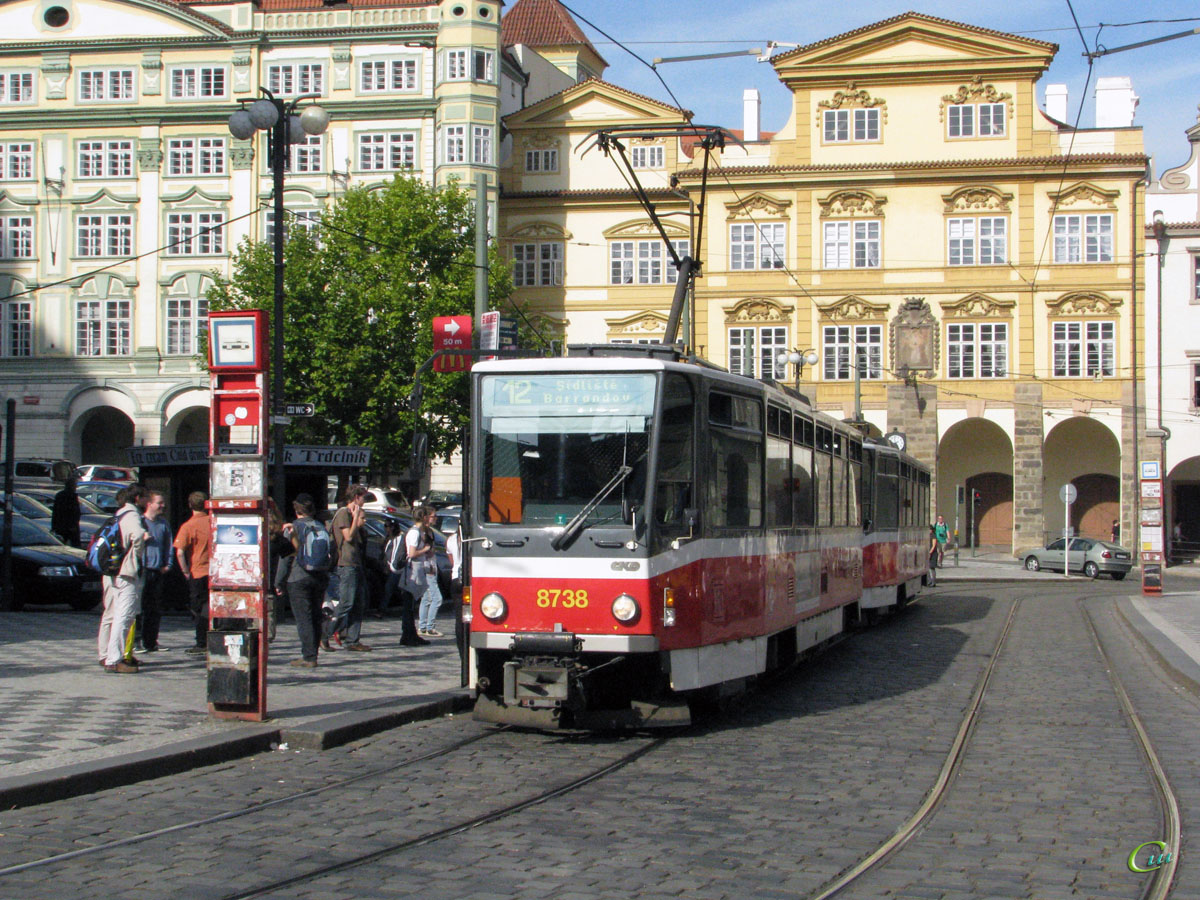 Прага. Tatra T6A5 №8738