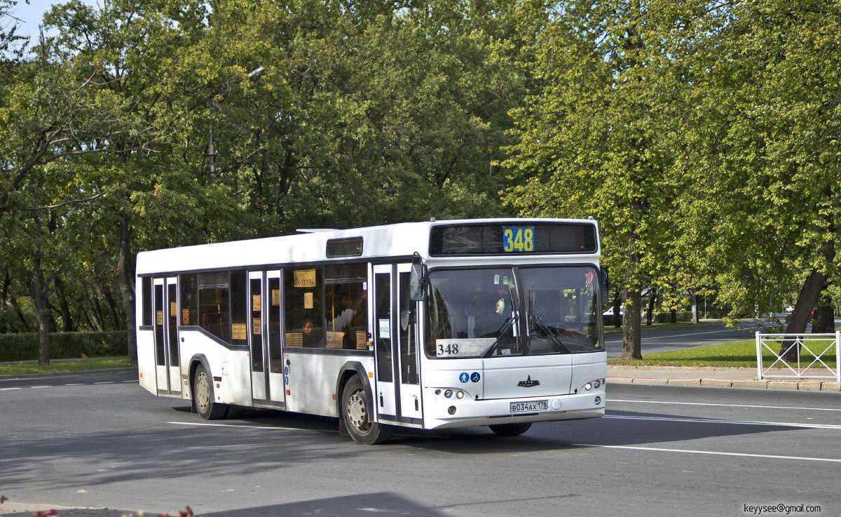 Санкт-Петербург. МАЗ-103 в034ах