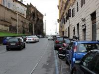 Рим. Чудное место в Риме! Остатки КС висят над отсутствующей соседней ниткой