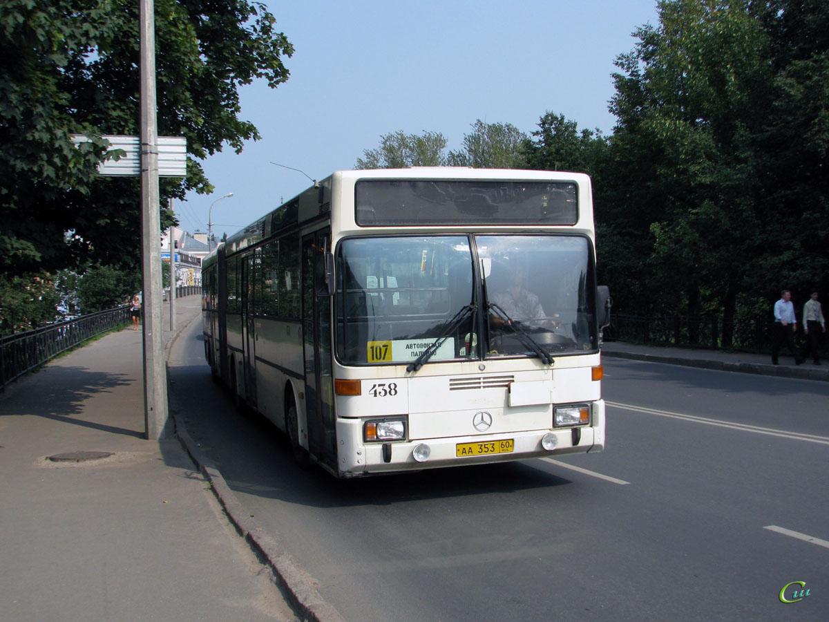 Псков. Mercedes-Benz O405G аа353