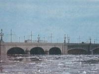 Санкт-Петербург. Трамваи ЛМ-68М (слева) и ЛМ-57 (справа)