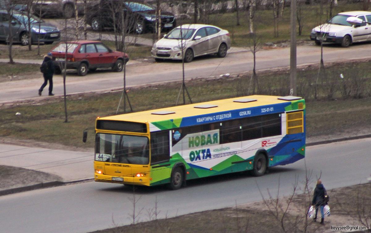 Санкт-Петербург. МАЗ-103.468 в165ну