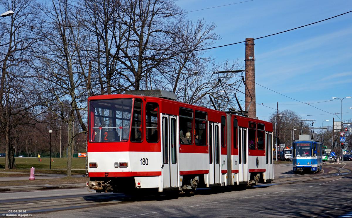 Таллин. Tatra KT4D №180