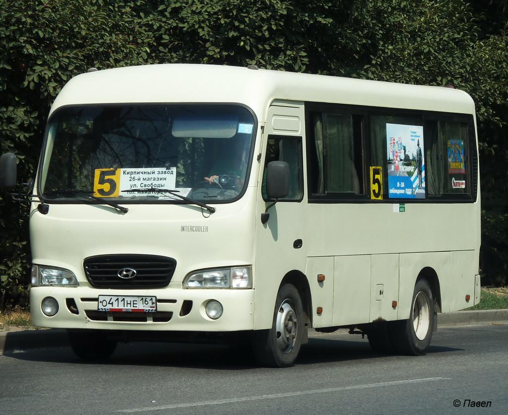 Таганрог. Hyundai County SWB о411не