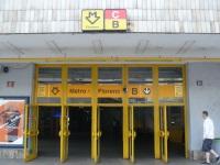 Прага. Вход на станцию метро Florenc