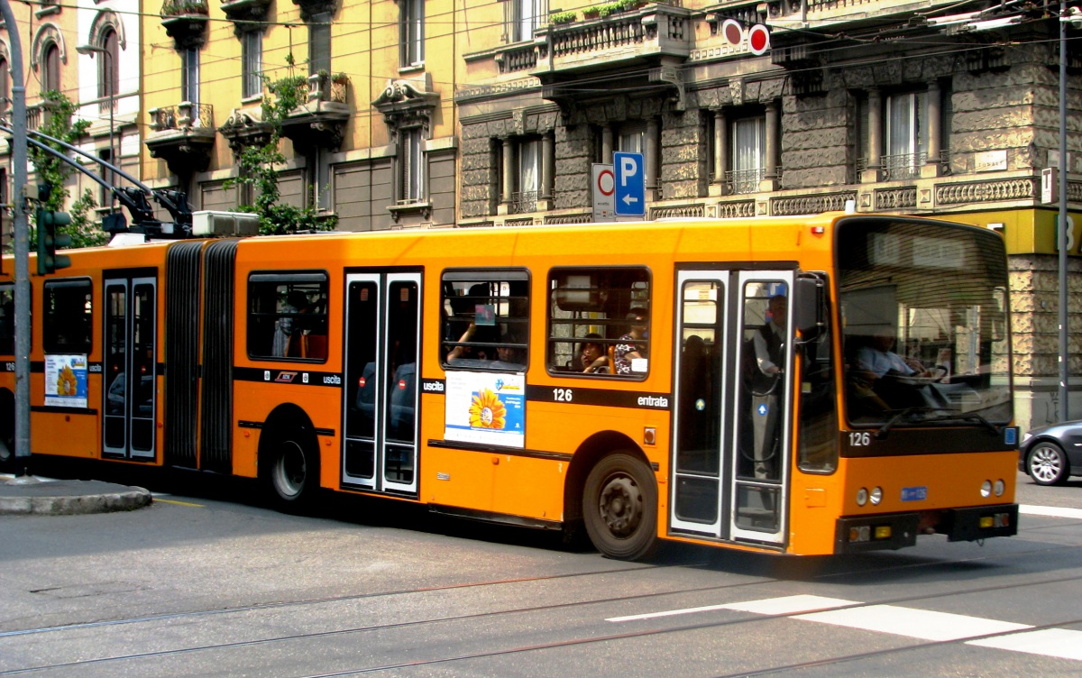 Милан. Iveco 2480 Socimi №126