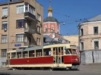Москва. Трамвай Tatra T2SU № 378 следует на парад