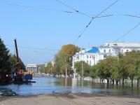 Комсомольск-на-Амуре. Залитые водой трамвайные пути на пересечении проспекта Мира и улицы Дзержинского