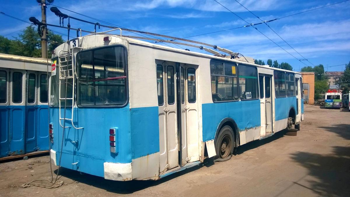 Саратов. ЗиУ-682Г-016 (012) №1223