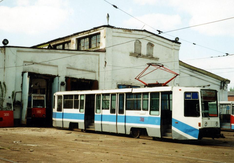 Томск. 71-608К (КТМ-8) №311, 71-605 (КТМ-5) №307