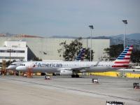 Лос-Анджелес. Самолет Airbus A321 (N127AA) авиакомпании American Airlines