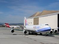 Лос-Анджелес. Грузовой самолет Boeing 747 (B-18708) авиакомпании China Airlines Cargo