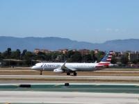 Лос-Анджелес. Самолет Airbus A321 (N115NN) авиакомпании American Airlines