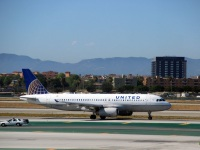 Лос-Анджелес. Самолет Airbus A320 (N403UA) авиакомпании United Airlines