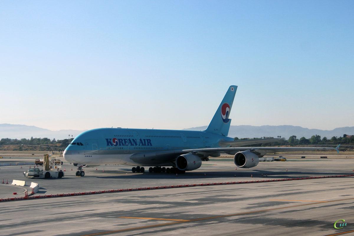 Лос-Анджелес. Самолет Airbus A380 (HL7613) авиакомпании Korean Air