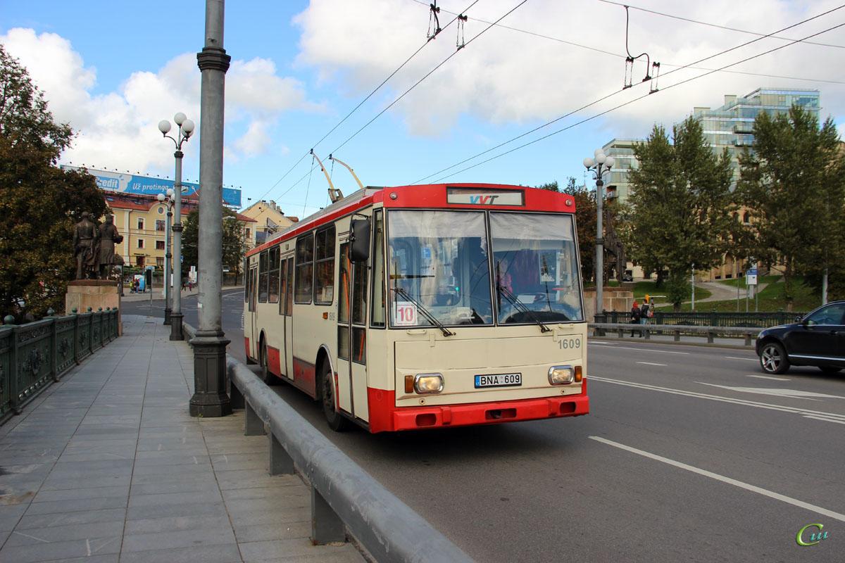 Вильнюс. Škoda 14Tr13/6 №1609