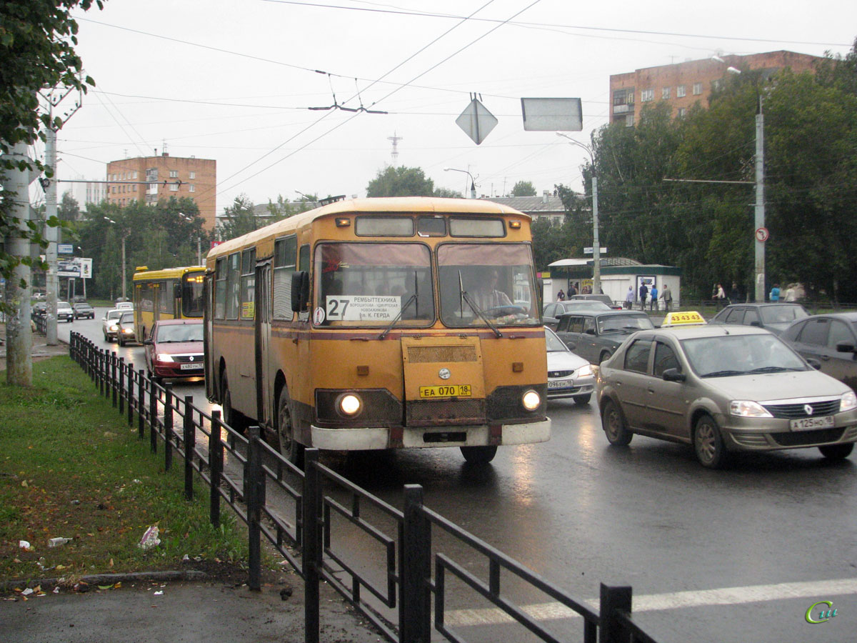Ижевск. ЛиАЗ-677М еа070