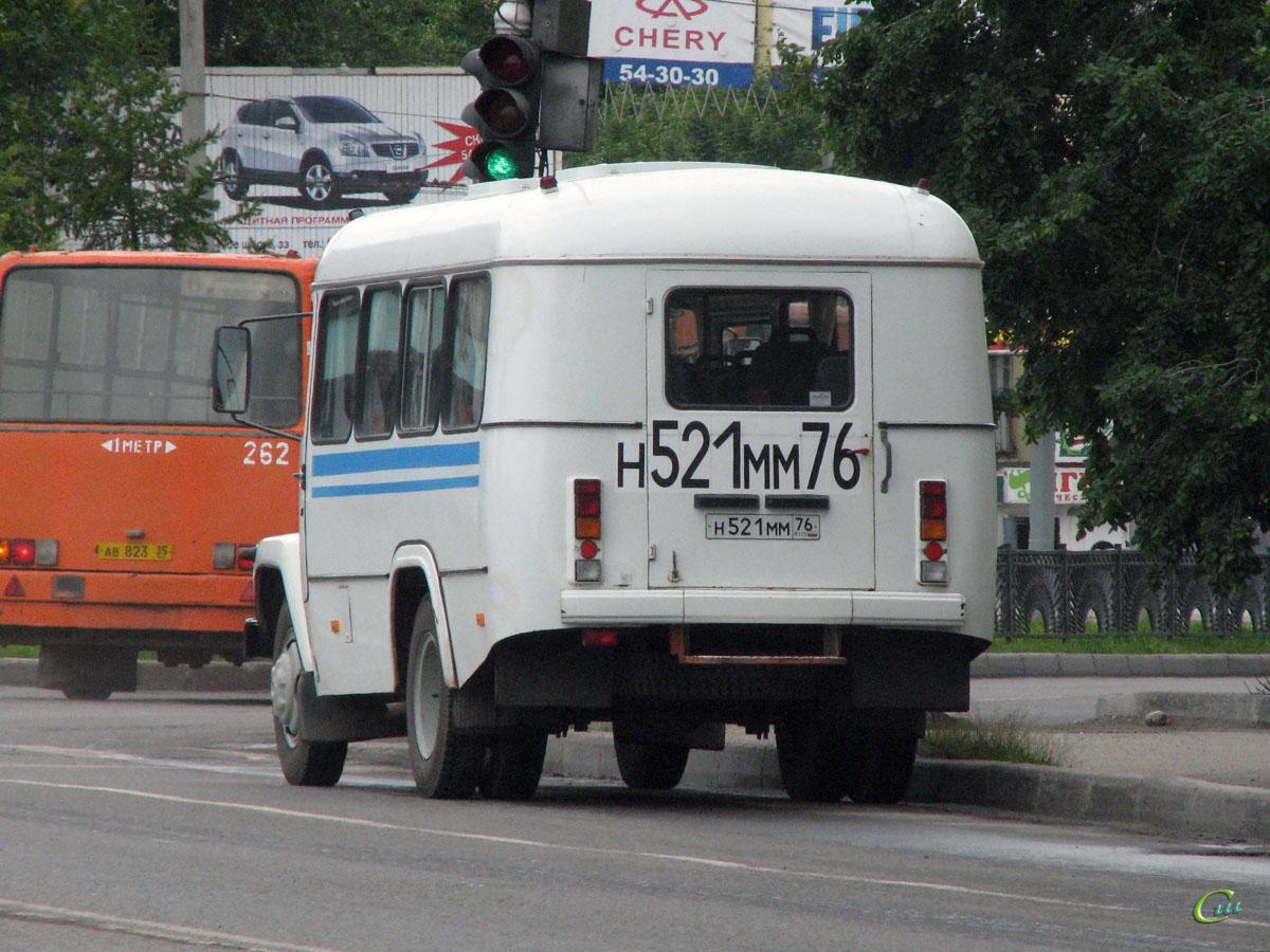 Вологда. КАвЗ-3976 н521мм