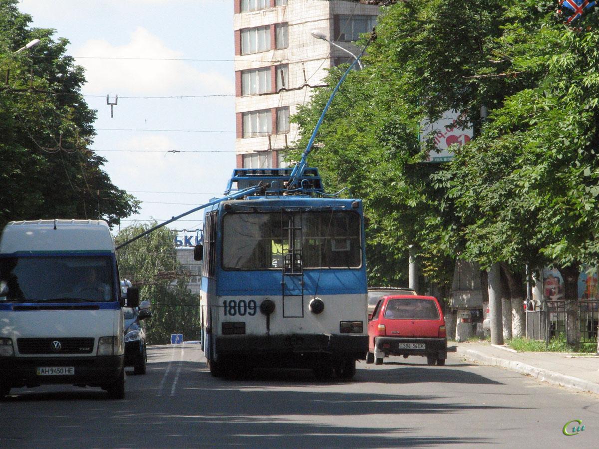 троллейбусов в мариуполе фото