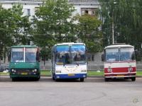 Великий Новгород. Ikarus 256 аа643, ЛАЗ-699Р ав007, ГолАЗ-5256.33-01 ав575