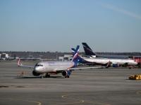Москва. Самолет Airbus A320 (VQ-BSG) Юрий Сенкевич авиакомпании Аэрофлот