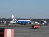 Москва. Самолет Boeing 747 (VQ-BWW) авиакомпании AirBridgeCargo во время взлета