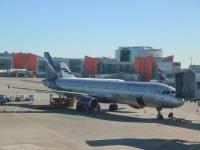 Москва. Самолет Airbus A321 (VP-BUM) Александр Дейнека авиакомпании Аэрофлот