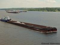 Череповец. Буксир-толкач Дунайский-18 мощностью 986 кВт, тип Дунайский, проект 112, и концевая секция двухсекционного сухогрузного состава № 448 проекта 1787У общей грузоподъёмностью 8900 тонн