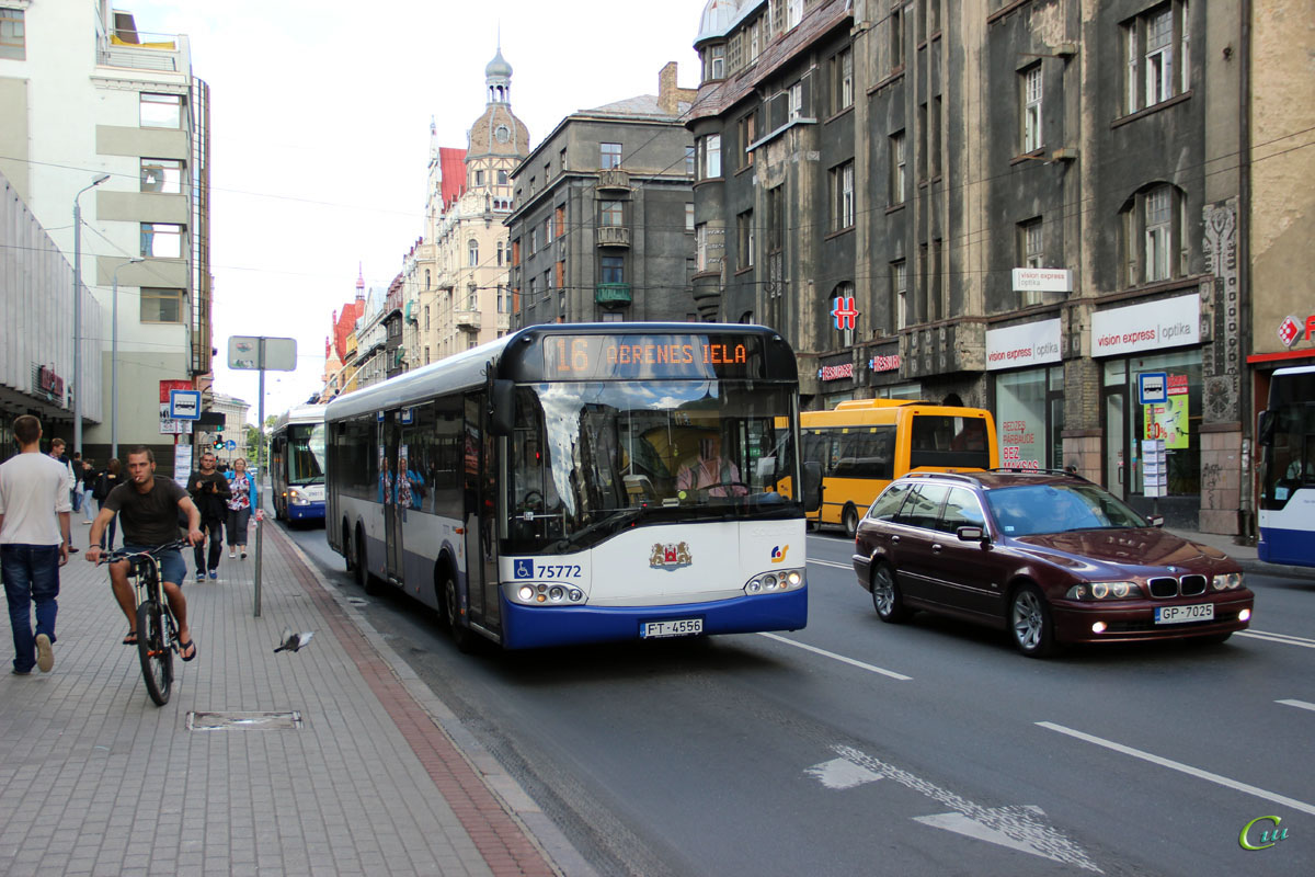 Рига. Solaris Urbino 15 FT-4556