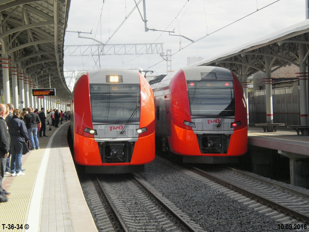 Москва. ЭС2Г-025, ЭС2Г-022