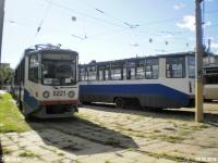 Москва. 71-617 (КТМ-17) №5221, 71-608КМ (КТМ-8М) №5215